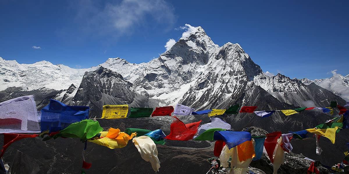 Day 10: Thagnak – Cho La Pass (5420m) – Dzongla (4830m)